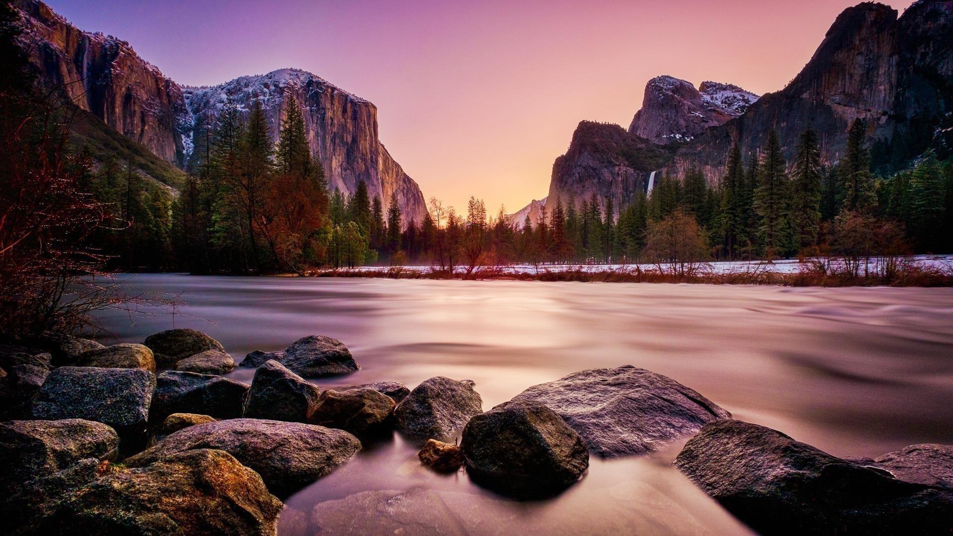 Скалы озеро горы обои скачать