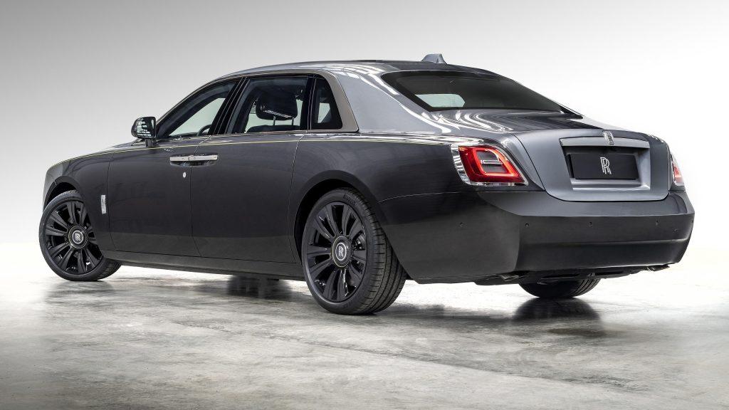 Rolls royce ghost продлен до 2021 года на 2 автомобиля обои скачать