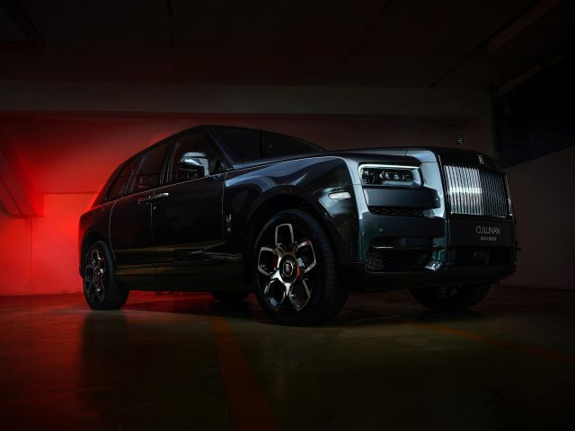 Автомобили rolls-royce cullinan black badge 2020