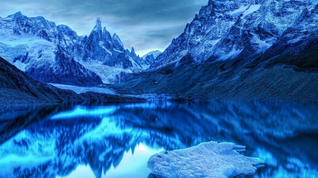 Снег ледяные горы отражение на озере природа обои скачать