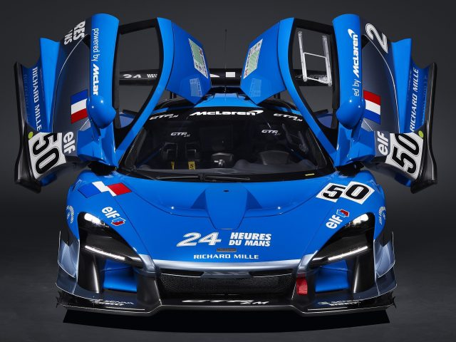 Синий Макларен Сенны ГТП автомобиля LM это 2 машины