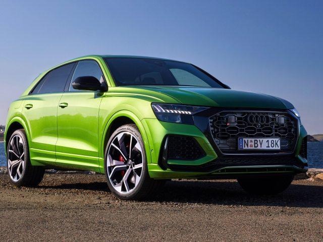 Зеленый audi rs q8 2020 4 автомобиля