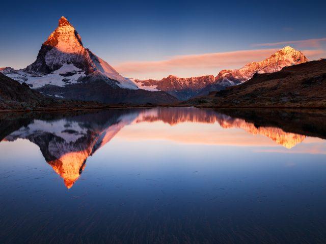 Озеро горы размышления.