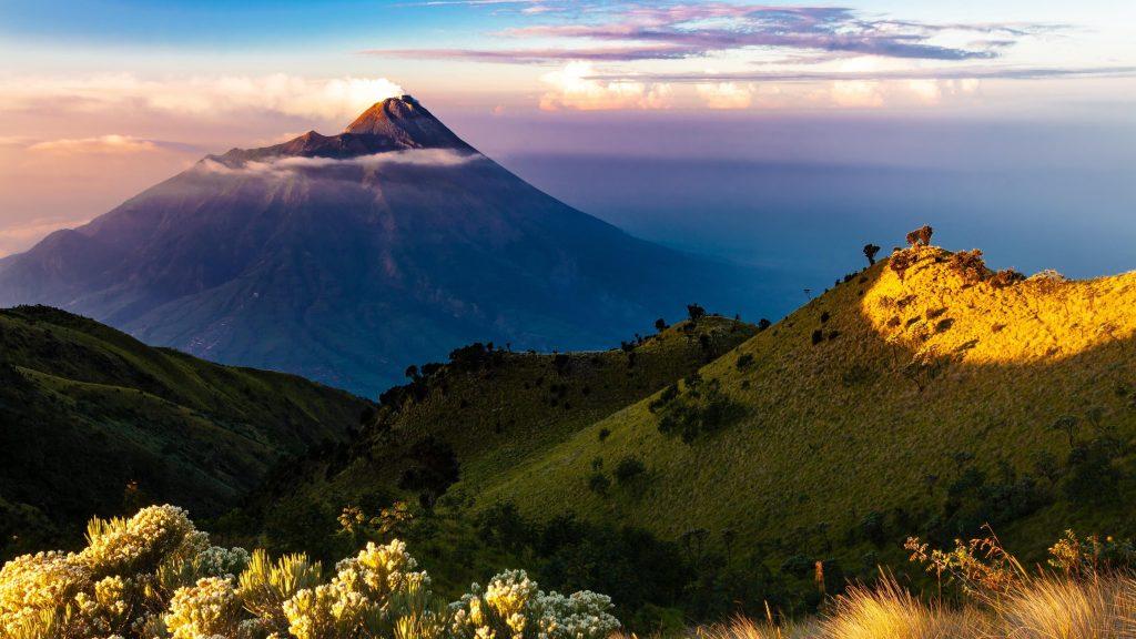 Вулканические горы обои скачать