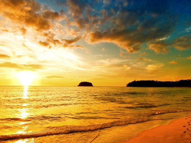 Закат море пляж.