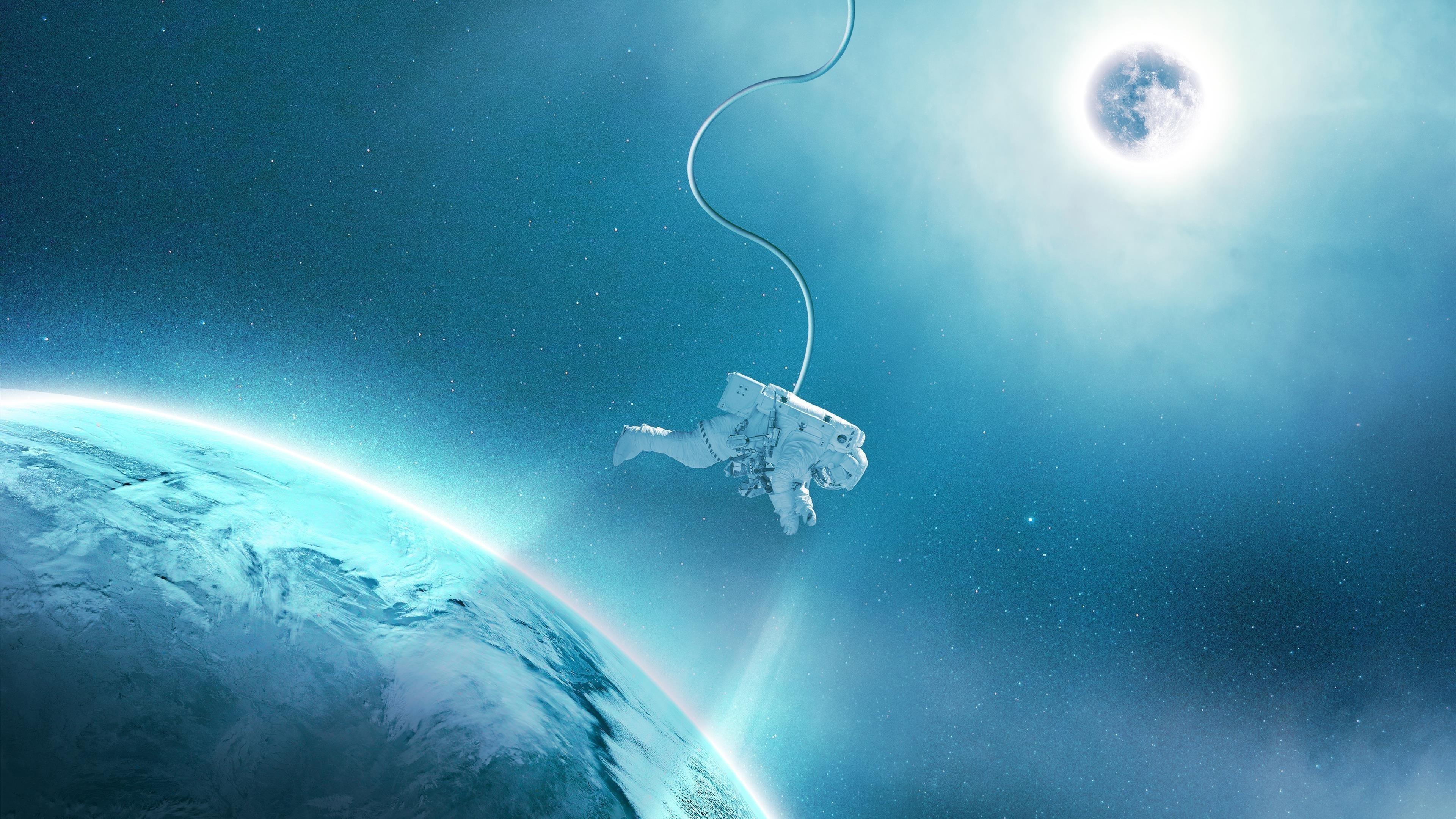 Астронавт в космосе обои скачать