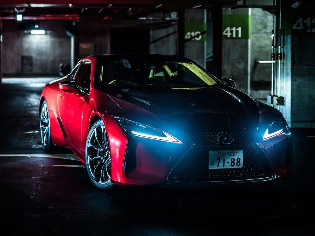 Красный lexus lc 500 автомобилей
