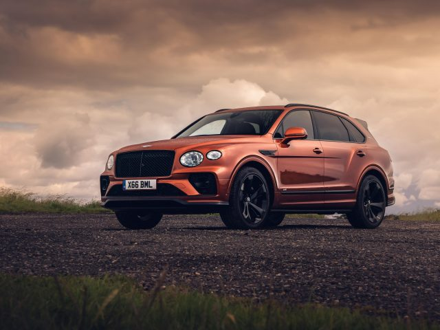 Bentley bentayga v8 first edition 2020 3 автомобиля