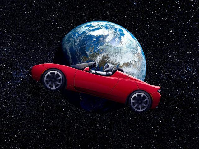 Тесла Родстер космонавт на околоземной орбите