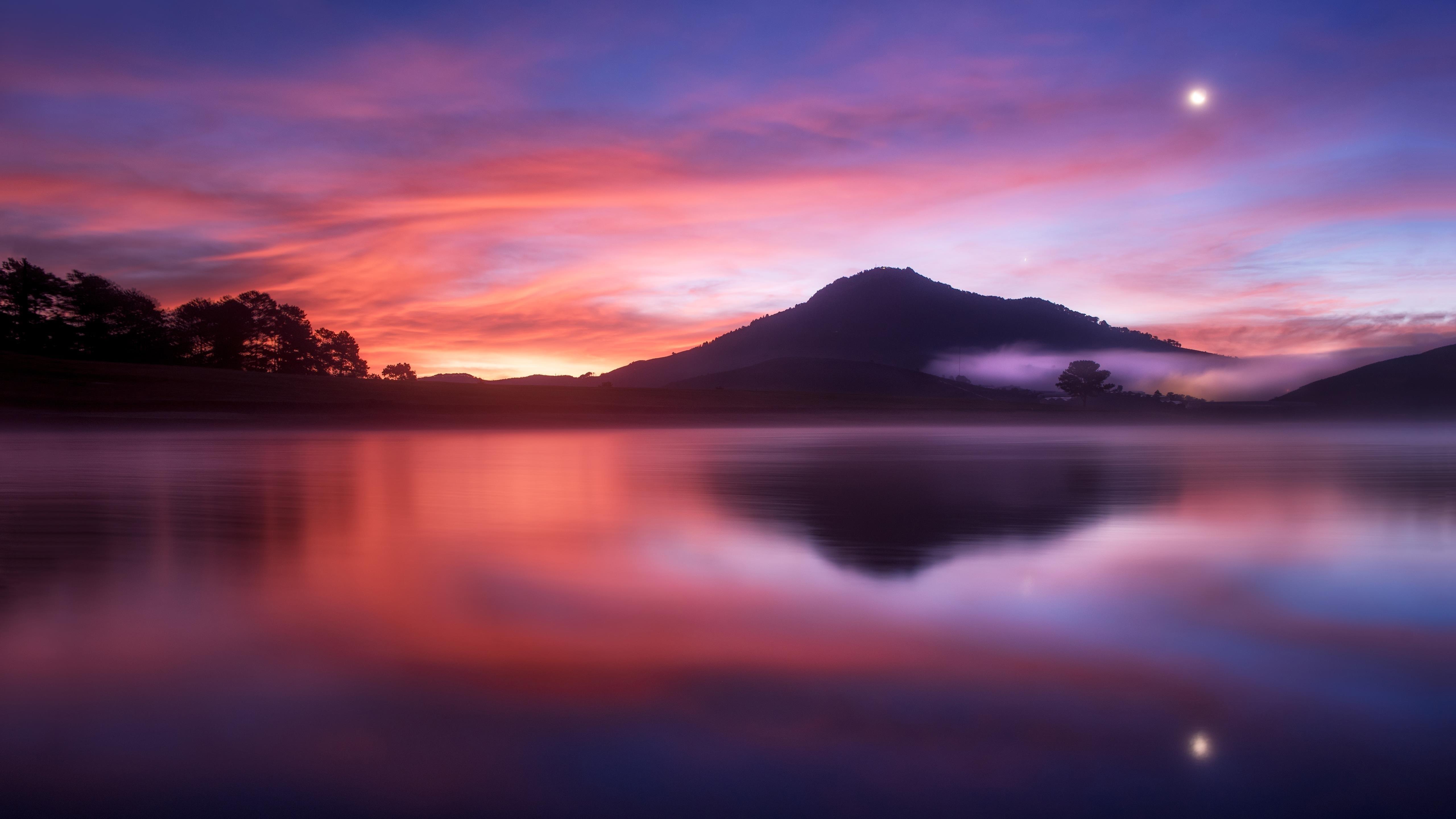 Вода под синим и красным небом природа обои скачать