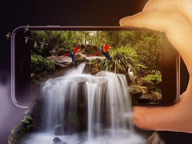 Сюрреалистический водопад в iphone