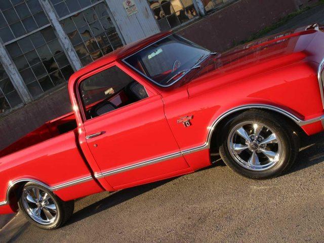 Красный Форд молния такуаче грузовые автомобили