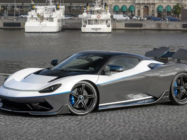 Pininfarina Баттиста юбилей 2020 2 автомобили