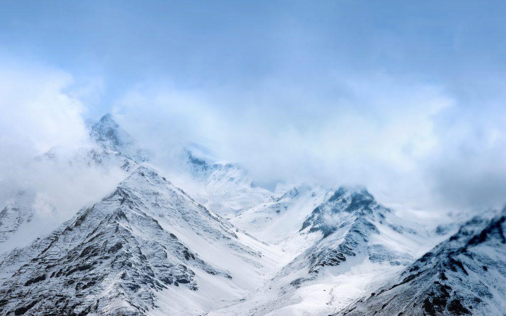 Снежные горы што. обои скачать