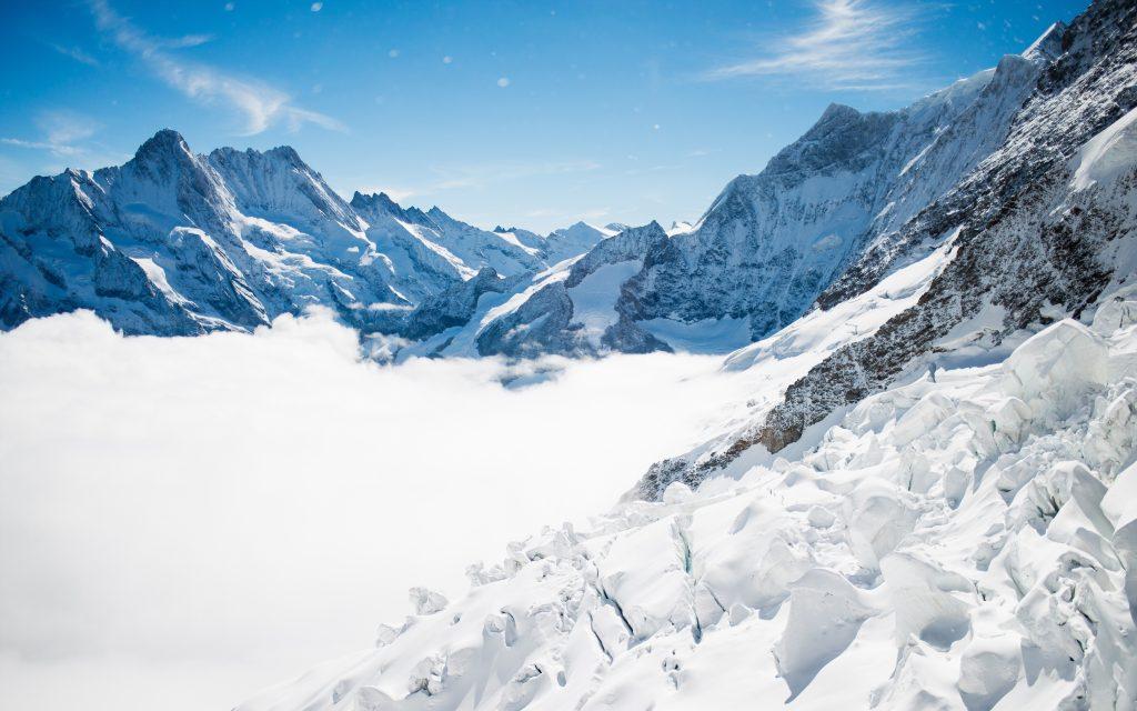 Зимние горы бернские Альпы. обои скачать