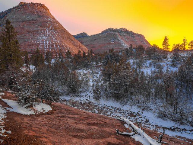 Национальный парк Сион гора со снегом во время заката природа