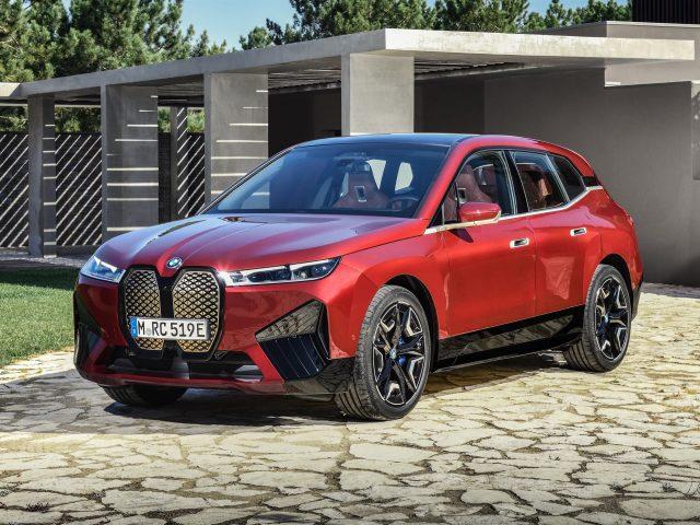 Красный bmw ix sport 2021 автомобили