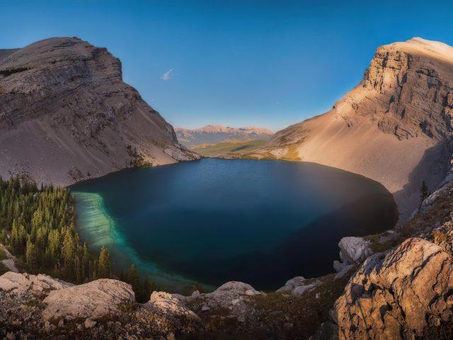 Озеро Карнарвон в кананаскисе Альберта природа