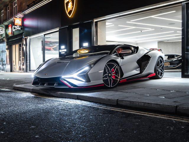 Lamborghini sian fkp 37 2021 3 автомобиля