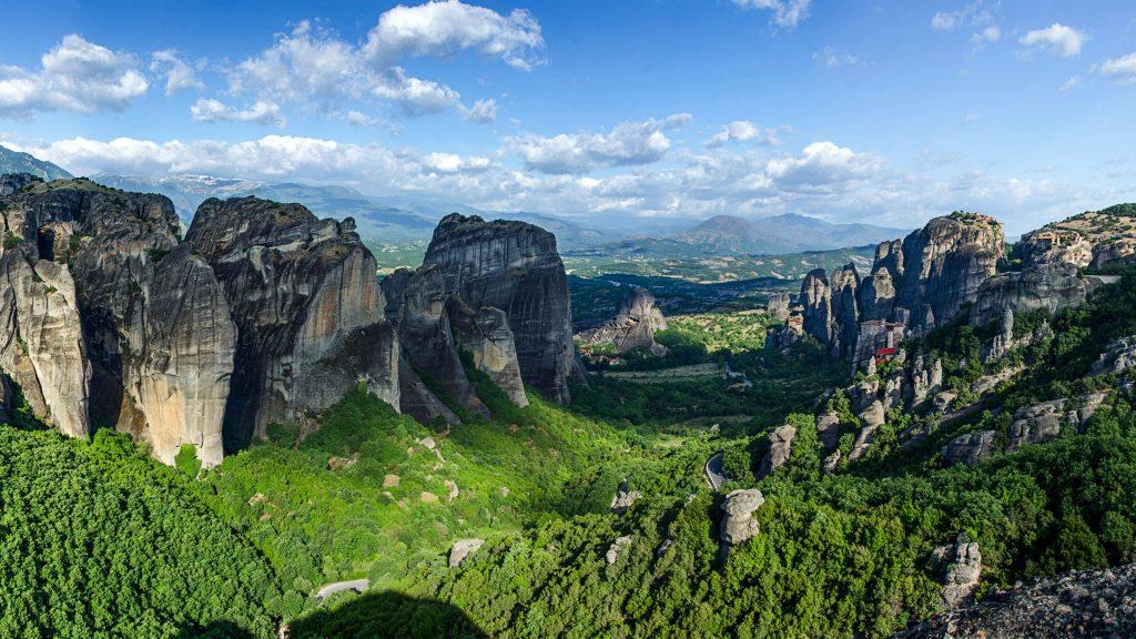 Песчаниковые скалы в Греции. обои скачать