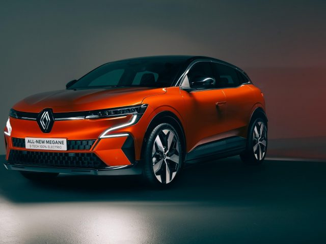 Renault megane e tech электрический 2021 2 автомобиля