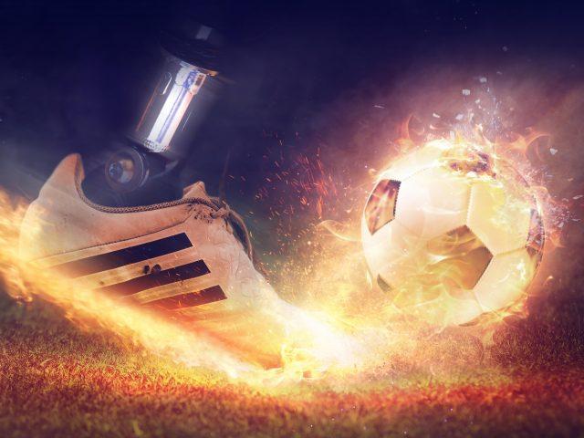 Футбольная пожарная обувь