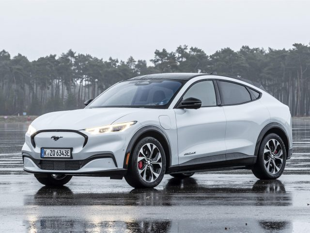 Ford mustang mach-e 4x 2021 автомобили
