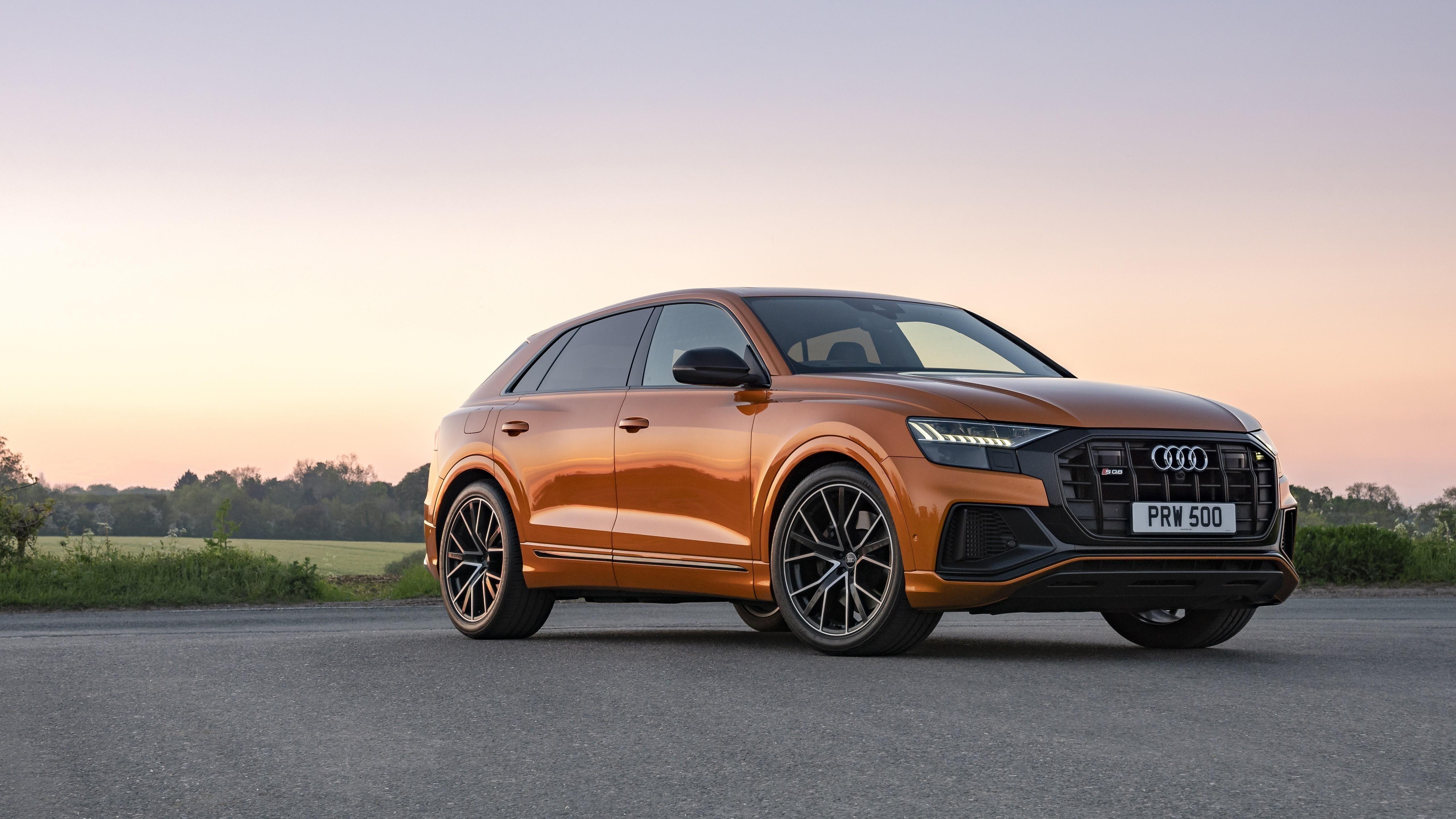 Audi sq8 tfsi 2021 2 автомобиля обои скачать