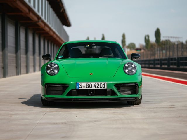 Porsche 911 carrera gts 2021 3 автомобиля