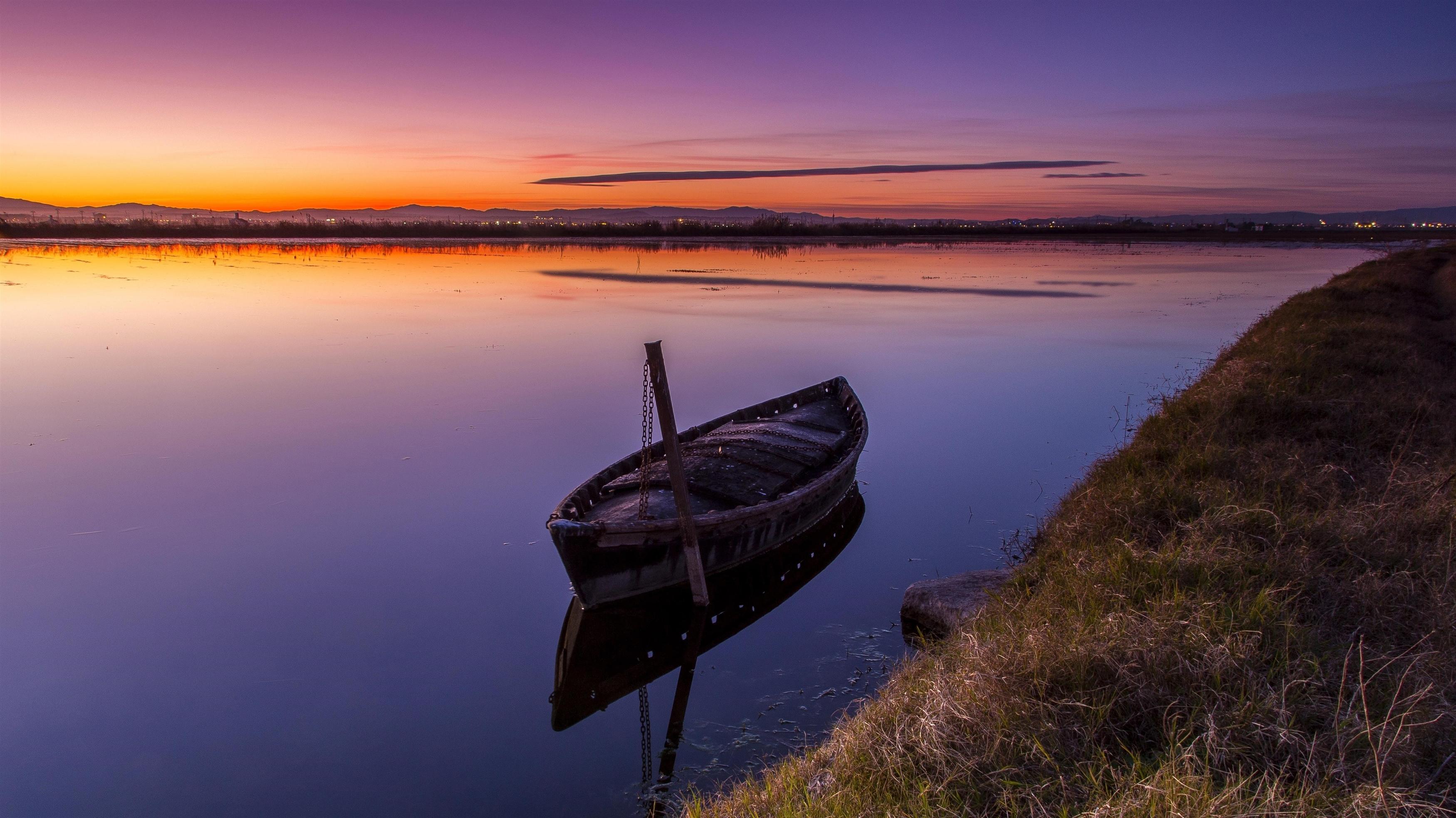 Лодка озеро закат обои скачать