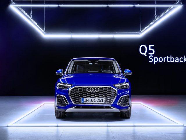 Audi blue q5 sportback 45 tfsi quattro s line 2020 2 автомобиля