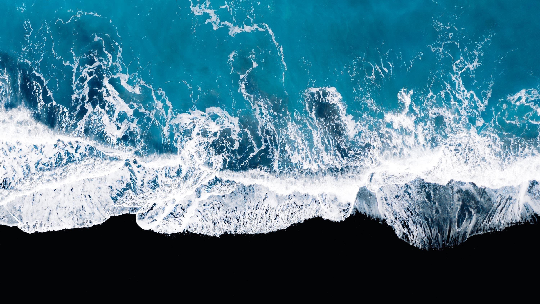 Океанские волны с высоты птичьего полета обои скачать