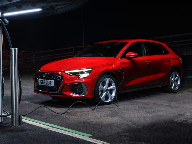 Audi a3 sportback 40 tfsi e S line 2020 3 автомобиля