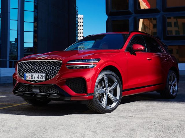 Genesis gv70 2 5t awd 2021 2 автомобиля