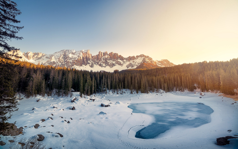 Karersee lake winter italy. обои скачать