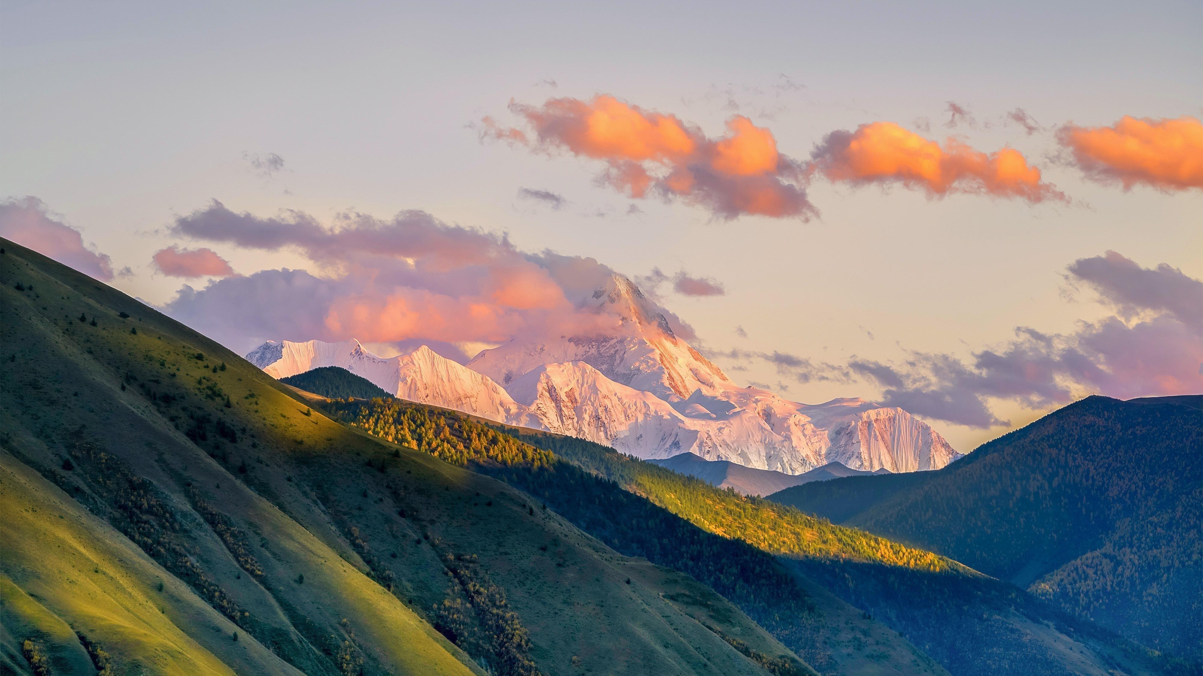 Солнечный день горный пейзаж обои скачать