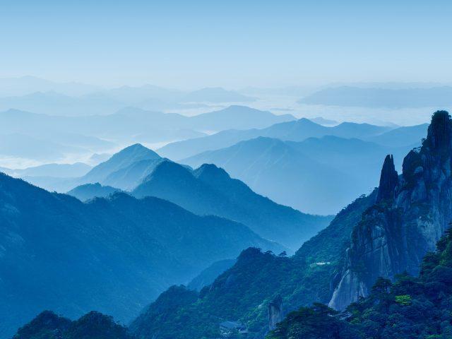 Днем горы Huawei мате 10 складе