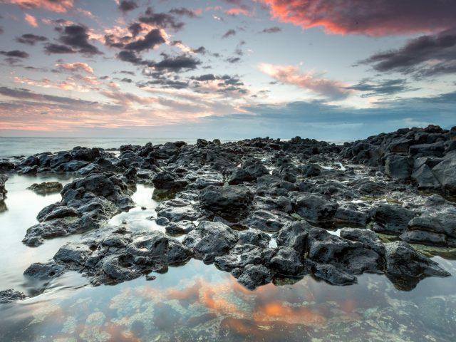 Природа небо облака пляж камни