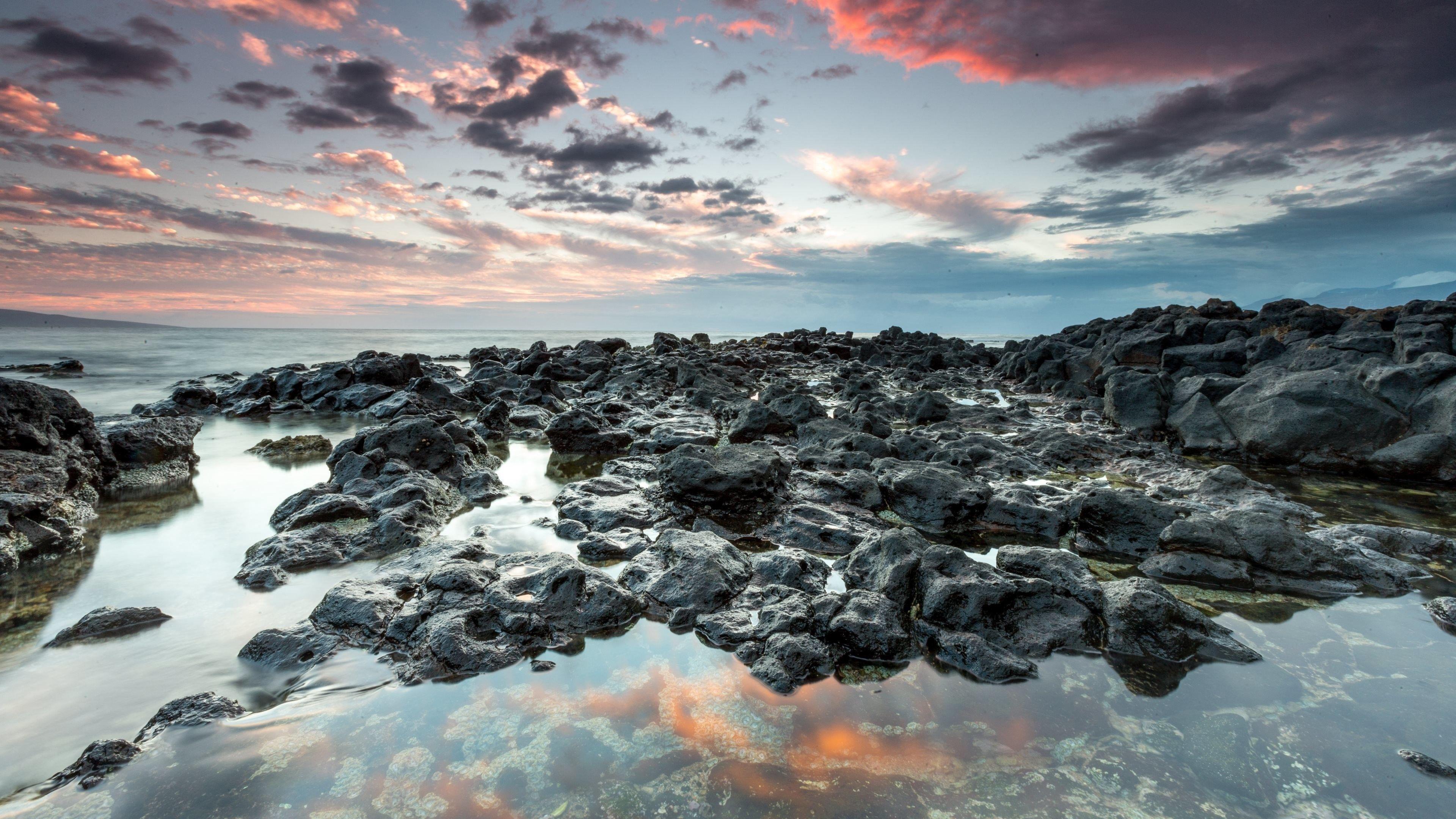 Природа небо облака пляж камни обои скачать