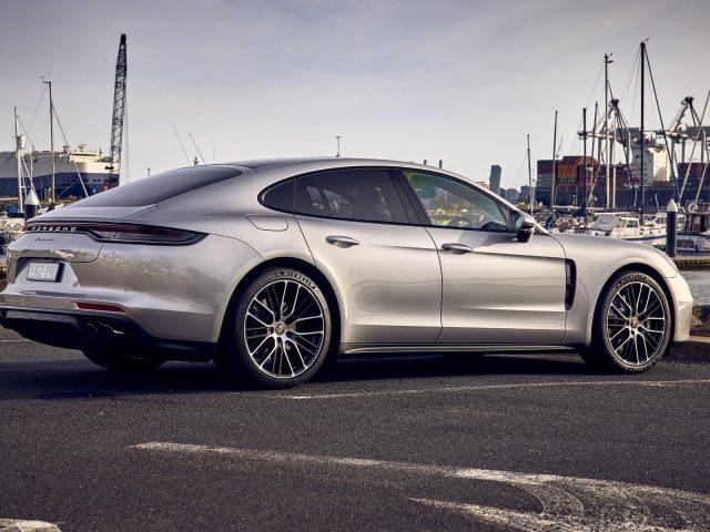 Porsche panamera 2021 3 автомобиля