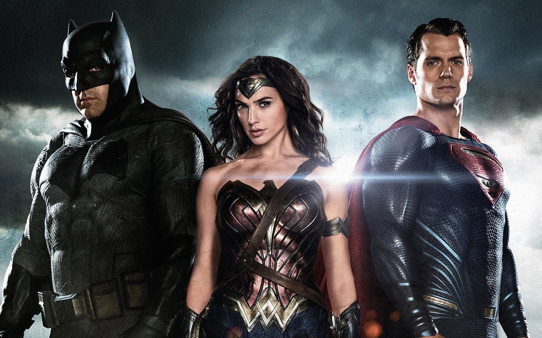 Бэтмен чудо-женщина супермен. обои скачать