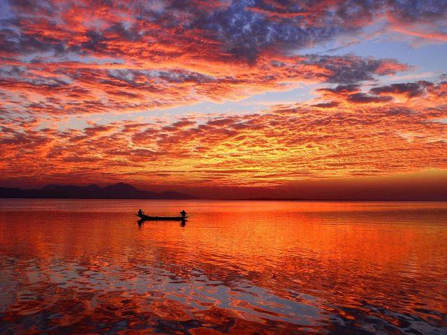 Закат горизонт отражения