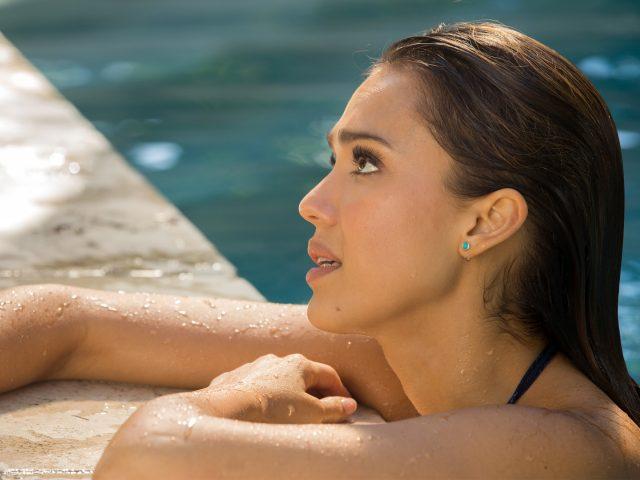 Джессика Альба какая красивая.