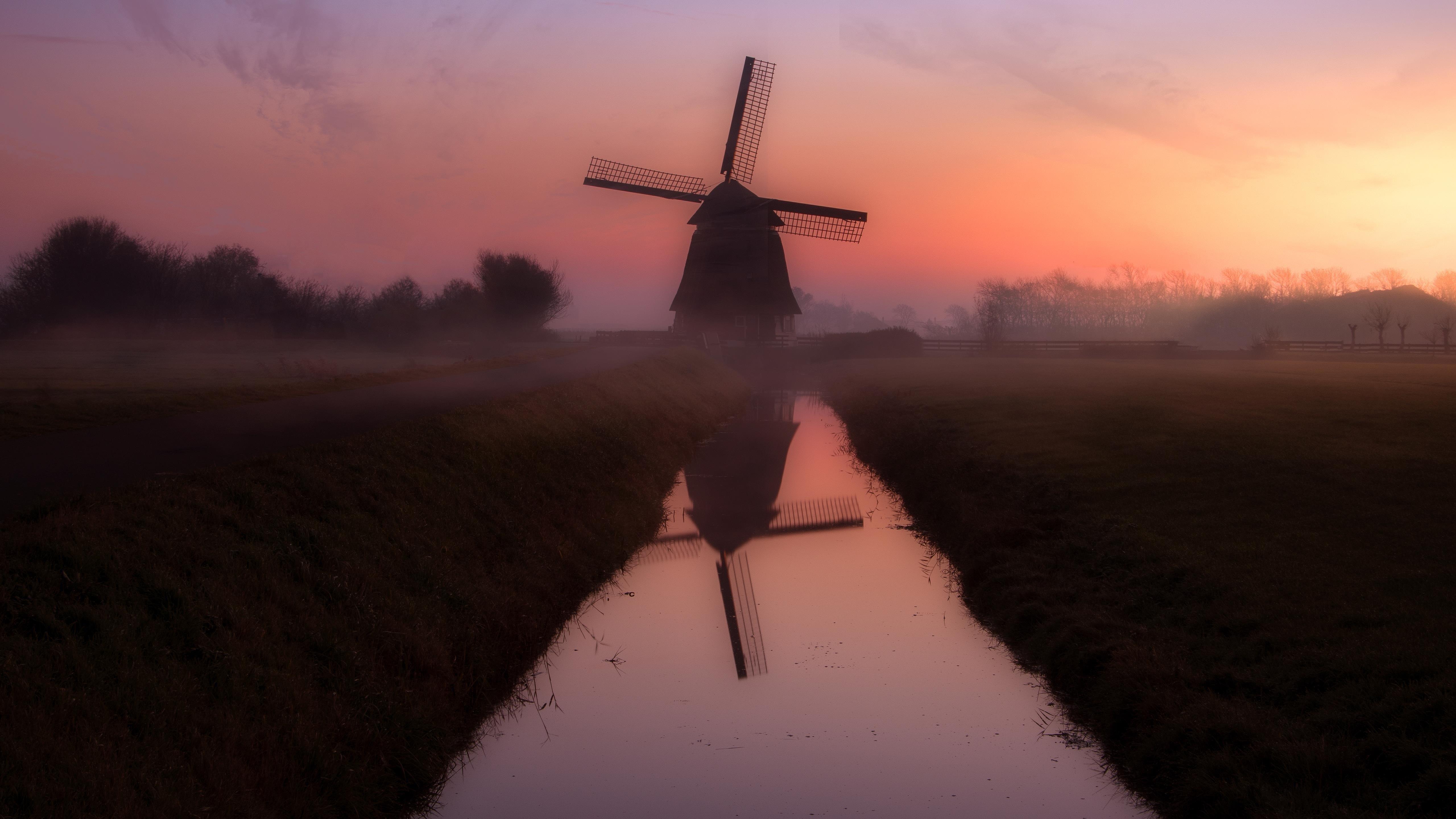 Ветряная мельница nederland во время заката с отражением на водоеме природы обои скачать