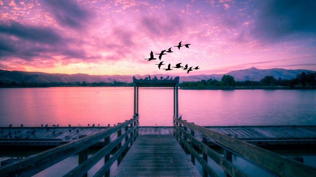 Живописное озеро закат обои скачать