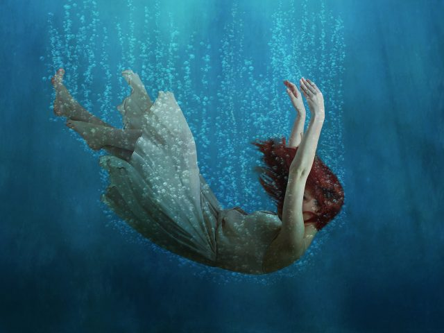 Подводная мечта девушки