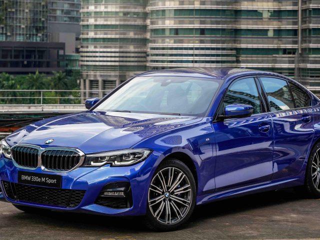 Синий bmw 330e m sport 2021 автомобили