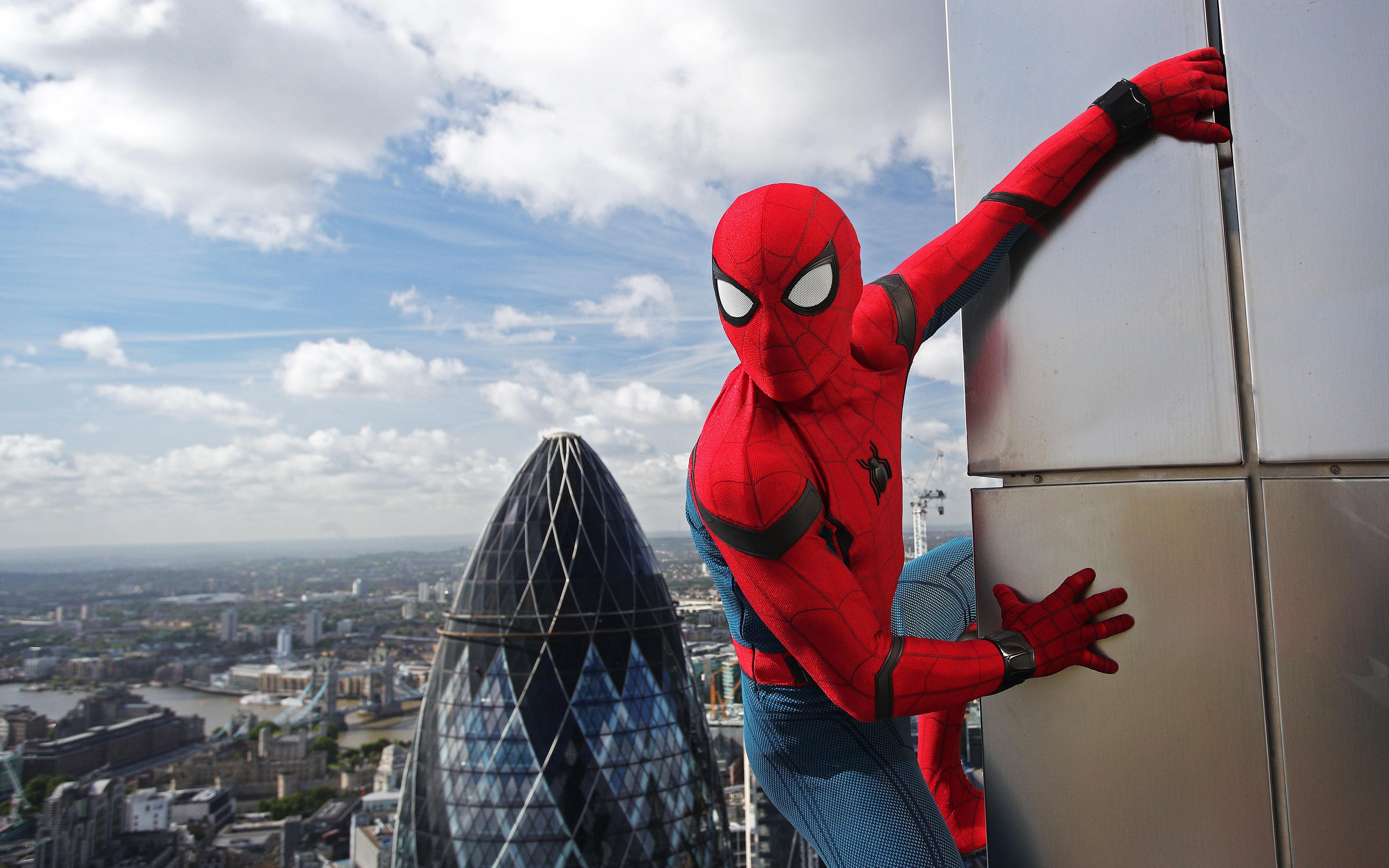 Человек-паук возвращение на родину в HD 4к. обои скачать