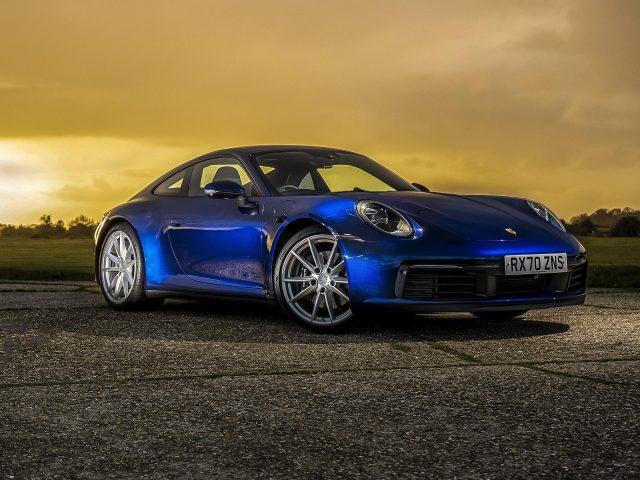 Porsche 911 carrera s mt 2020 2 автомобиля