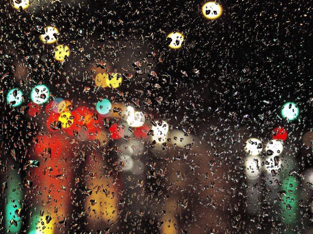 Стеклянные капли блики свет абстрактный